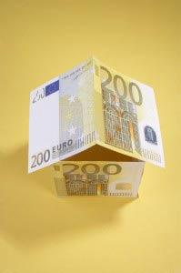 200 Euto house